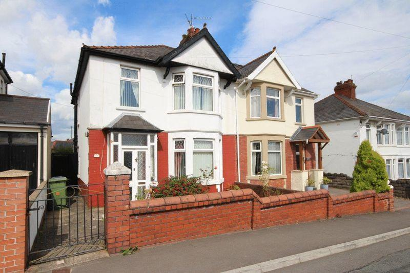 3 Bedrooms Semi Detached House for sale in The Walk, Rumney