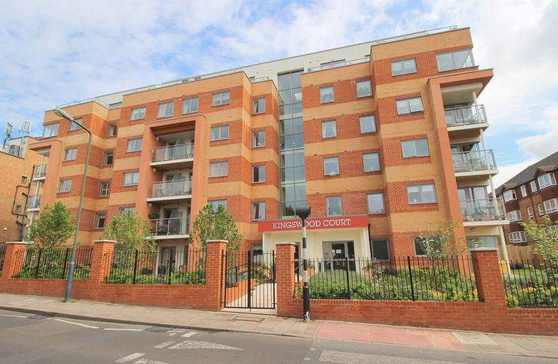 2 Bedrooms Retirement Property for sale in KINGSWOOD COURT, Sidcup, DA14 6FH