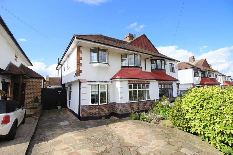 5 Bedrooms Semi Detached House for sale in TELFORD ROAD, New Eltham, SE9 3RE
