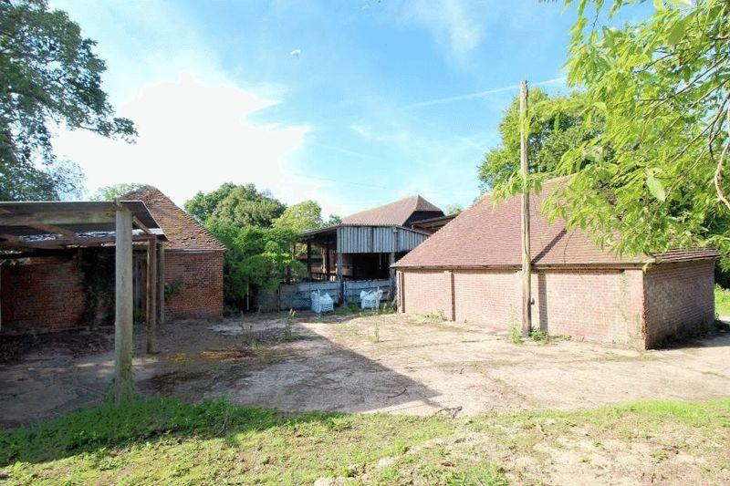 4 Bedrooms Barn Conversion Character Property for sale in Slough Green Lane, Haywards Heath