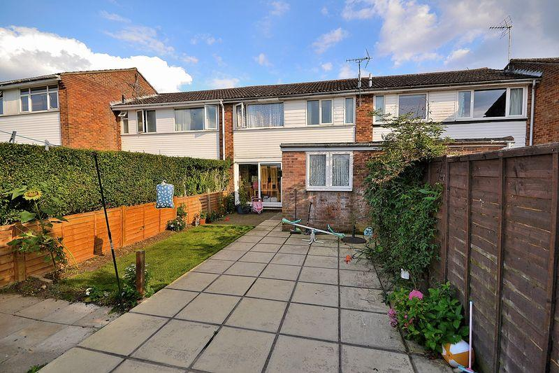 3 Bedrooms Terraced House for sale in Nine Lands, Hockliffe