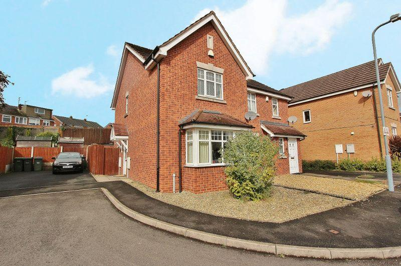2 Bedrooms Semi Detached House for sale in Oxford Way, Tipton