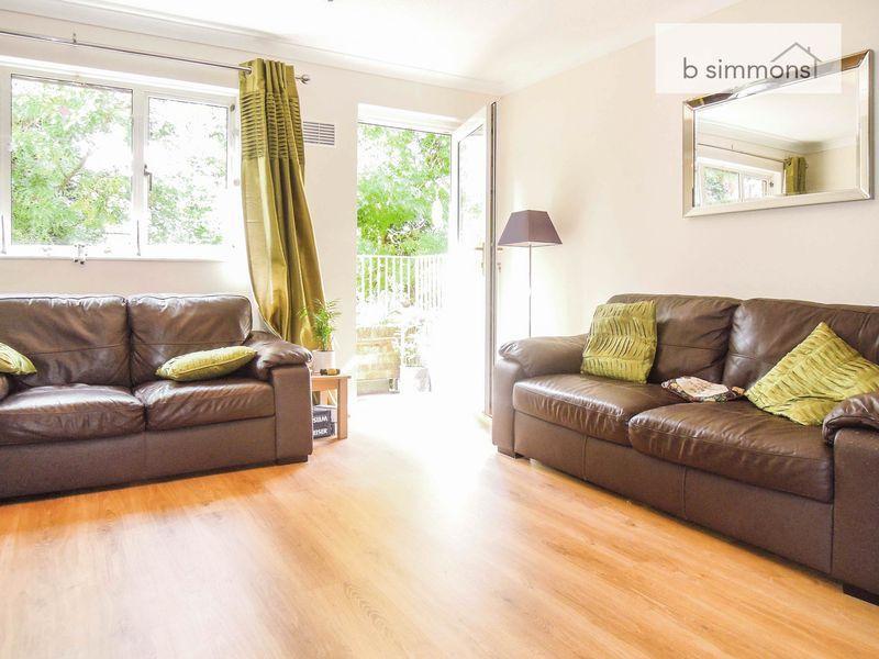 2 Bedrooms Maisonette Flat for sale in Langley - Split Level Living 2 bed