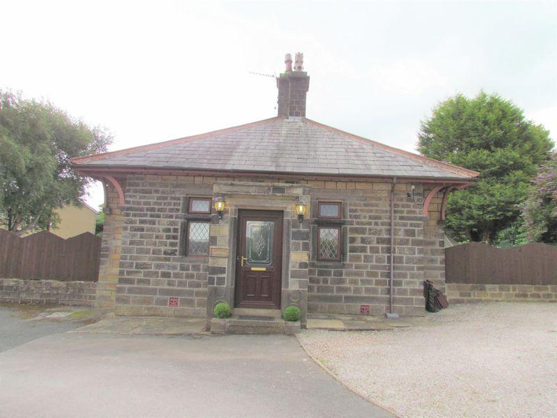 2 Bedrooms Detached House for sale in Greenside Lane, Bradford