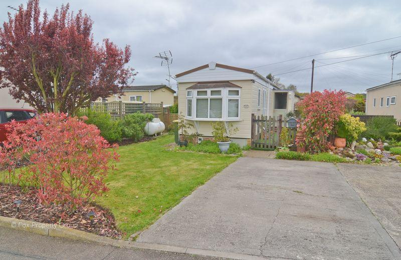 1 Bedroom Park Home Mobile Home for sale in Lower Road, Hockley