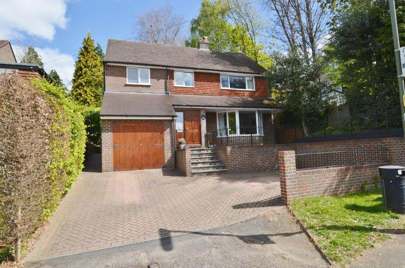 4 Bedrooms Detached House for sale in Shackstead Lane, Godalming