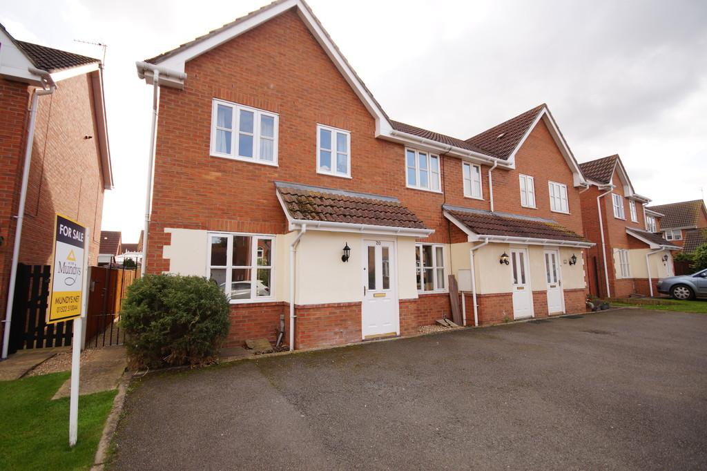 3 Bedrooms Town House for sale in Daubeney Avenue, Saxilby, Lincoln