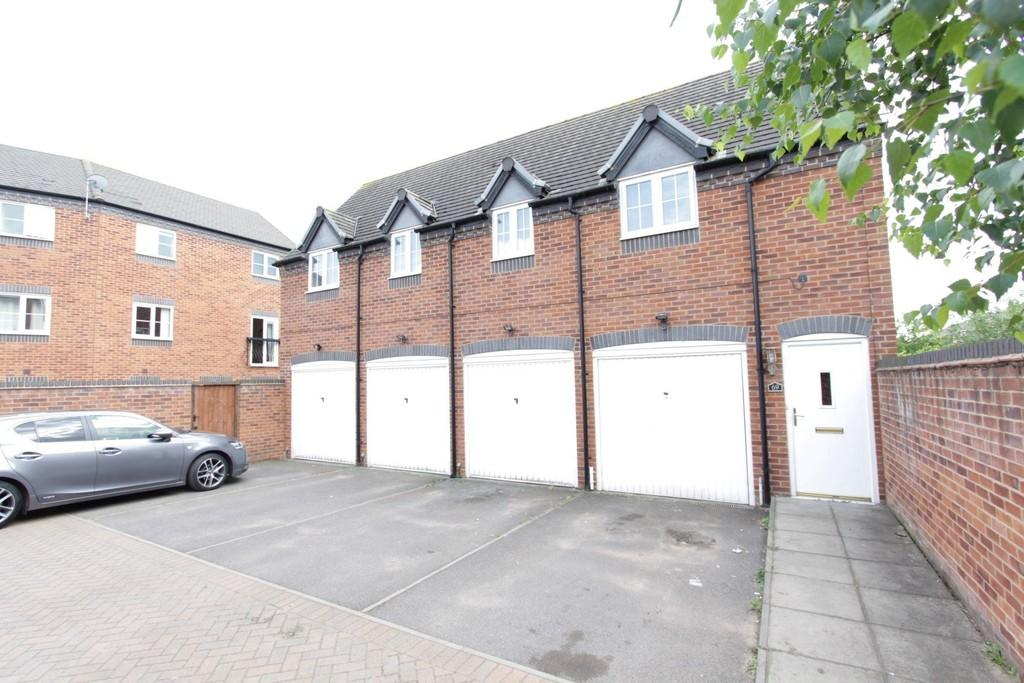 2 Bedrooms Apartment Flat for sale in Valley Drive, Wilnecote