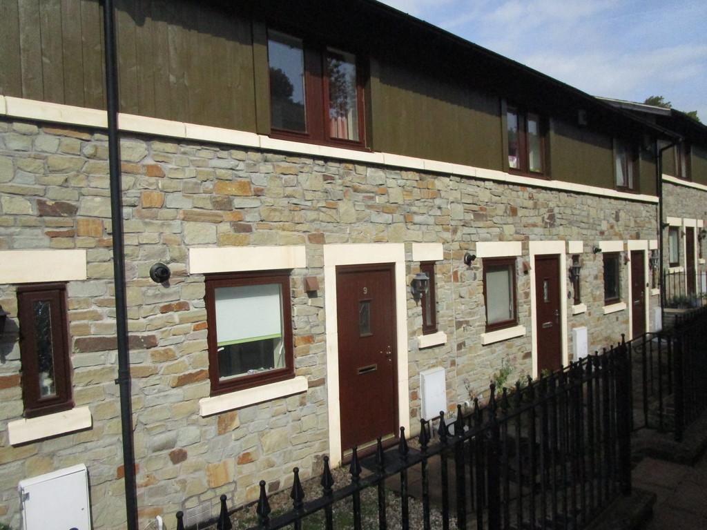 3 Bedrooms Terraced House for rent in Stoke Park, Vanbrugh Lane, BS16 1GX