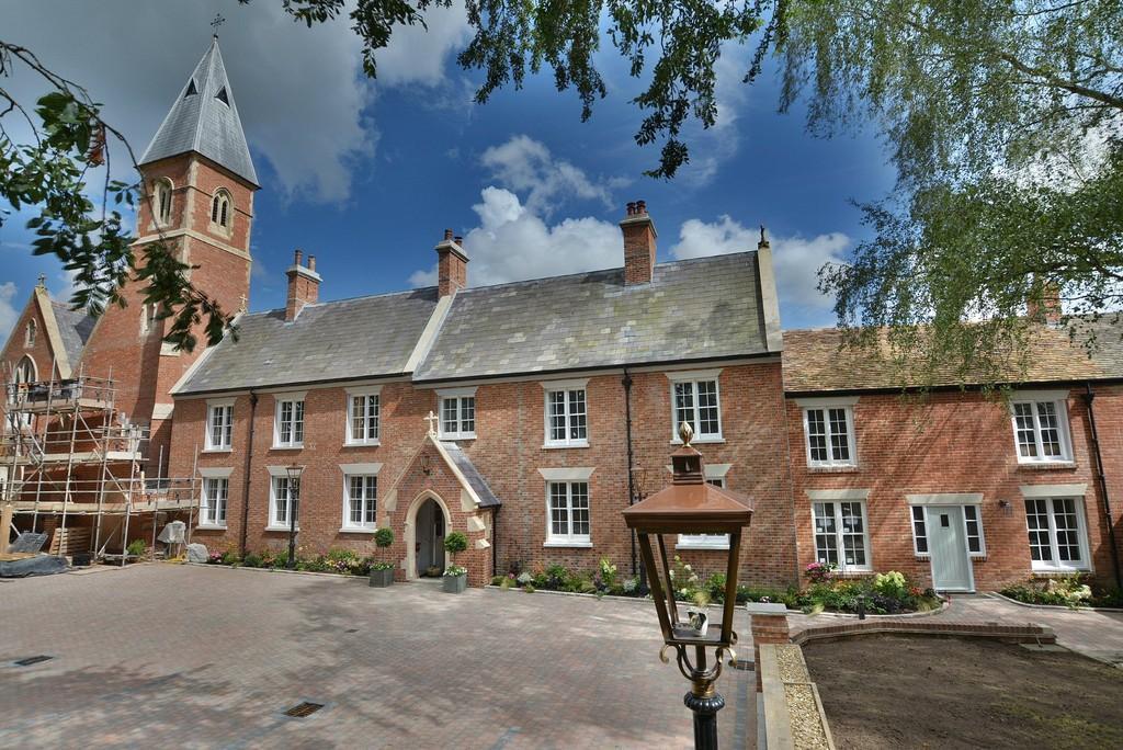 3 Bedrooms Terraced House for sale in Wimborne