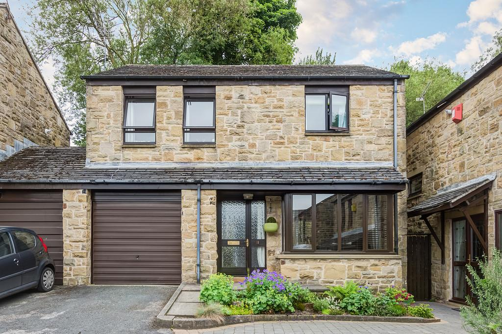 4 Bedrooms Detached House for sale in Spout Copse, Stannington, Sheffield