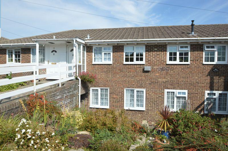 3 Bedrooms Terraced House for sale in ASHEY, RYDE