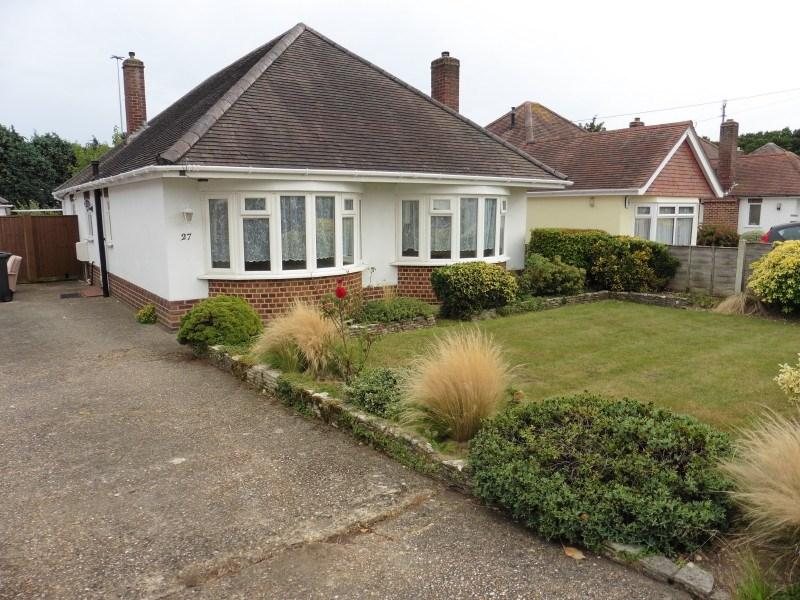 3 Bedrooms Detached Bungalow for sale in Leydene Avenue, Queens Park, Bournemouth