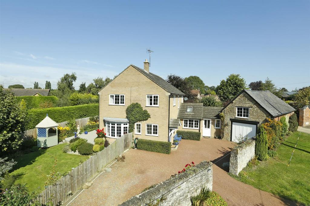 3 Bedrooms Detached House for sale in Draughton Road, Maidwell, Northampton