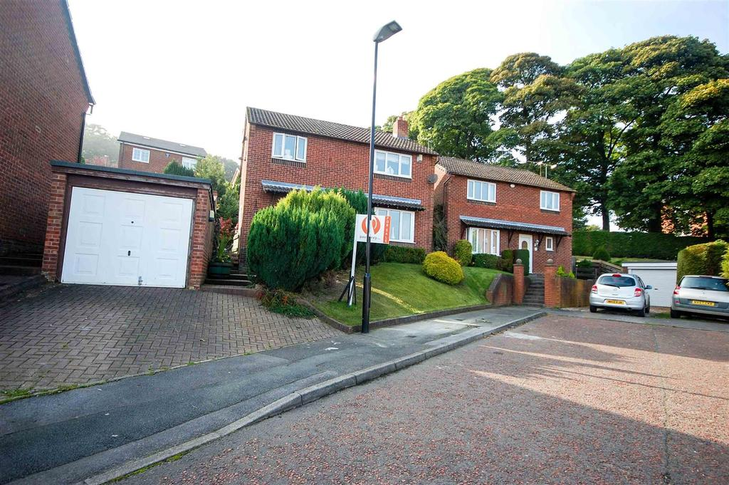 3 Bedrooms Detached House for sale in Friarsfield Close, Chapelgarth, Sunderland