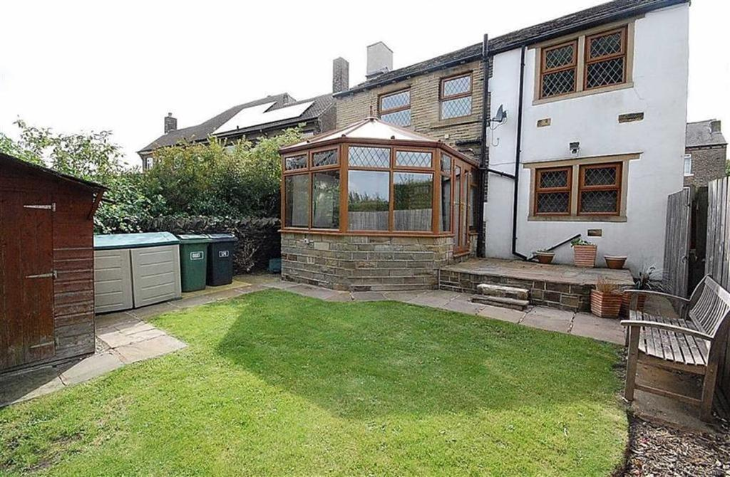 3 Bedrooms Semi Detached House for sale in Cowcliffe Hill Road, Cowcliffe, Huddersfield, HD2