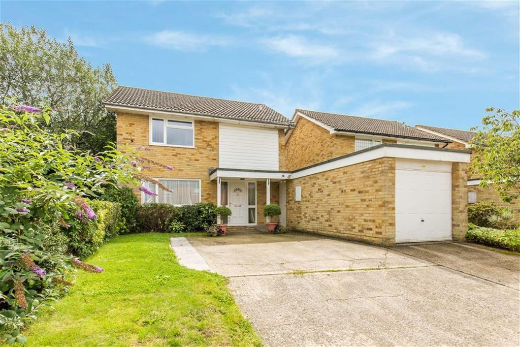 3 Bedrooms Detached House for sale in Roseacre, Hurst Green, Surrey