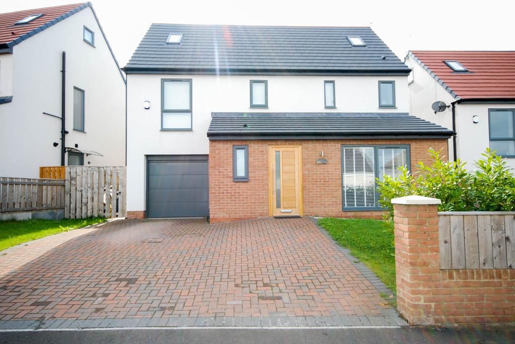 5 Bedrooms Detached House for sale in Paddock Lane, Tunstall