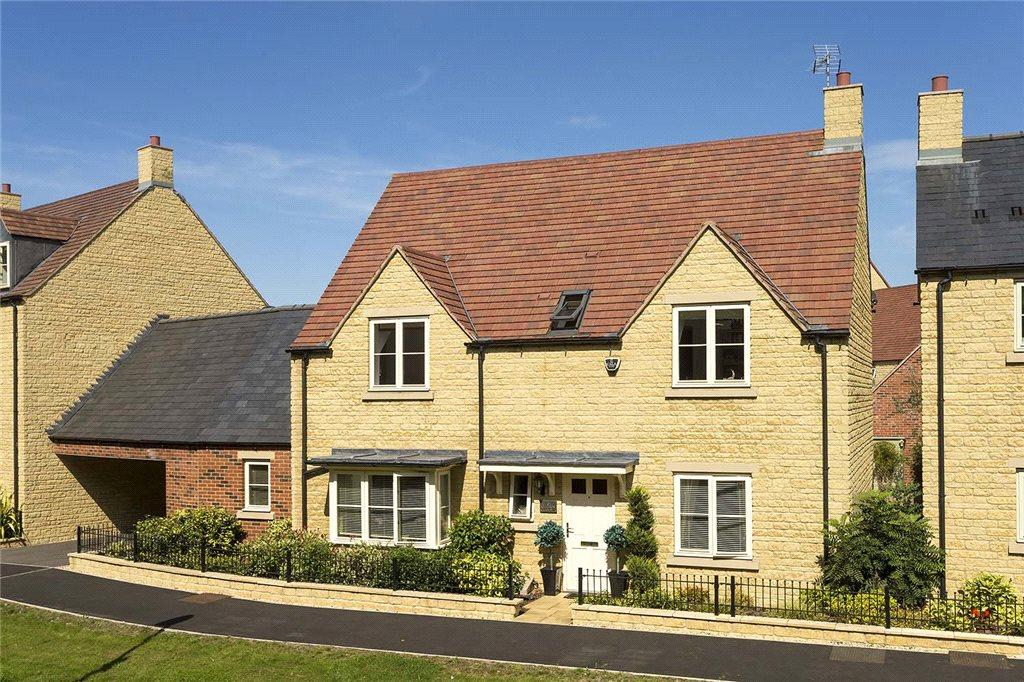 4 Bedrooms Detached House for sale in Summers Way, Moreton-In-Marsh, Gloucestershire, GL56