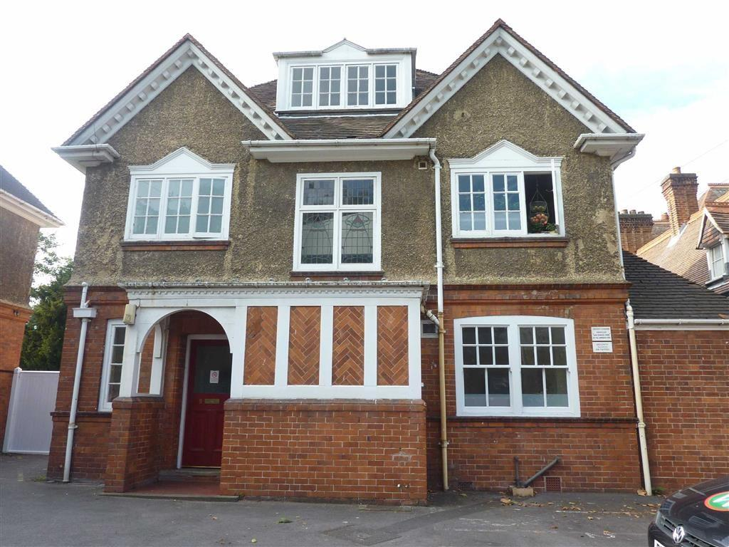 4 Bedrooms Flat for rent in Redlands Road, Reading