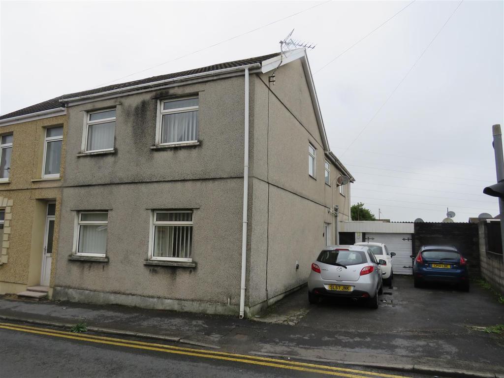 3 Bedrooms Semi Detached House for sale in Llandafen Road, Llanelli