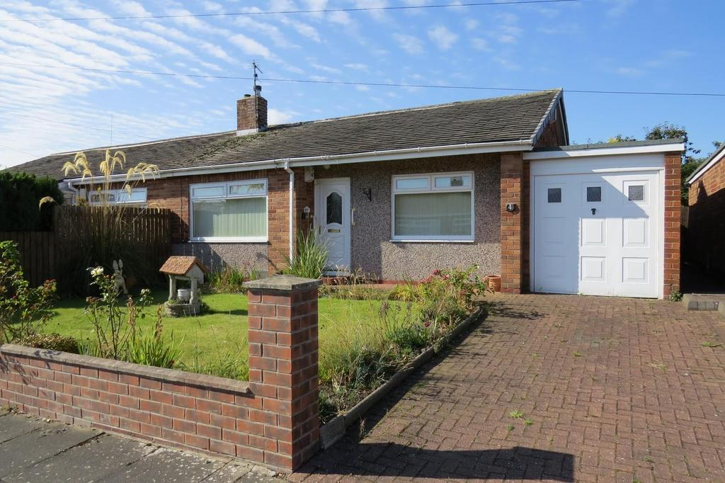 2 Bedrooms Semi Detached Bungalow for sale in Linden Close, Wansbeck Estate, Stakeford