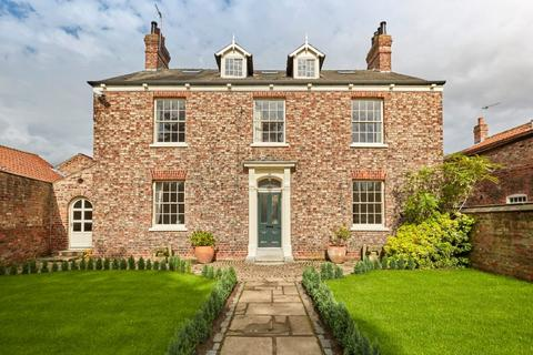 6 bedroom detached house for sale - Rose Villa, Main Street, Heslington, York, YO10 5EA