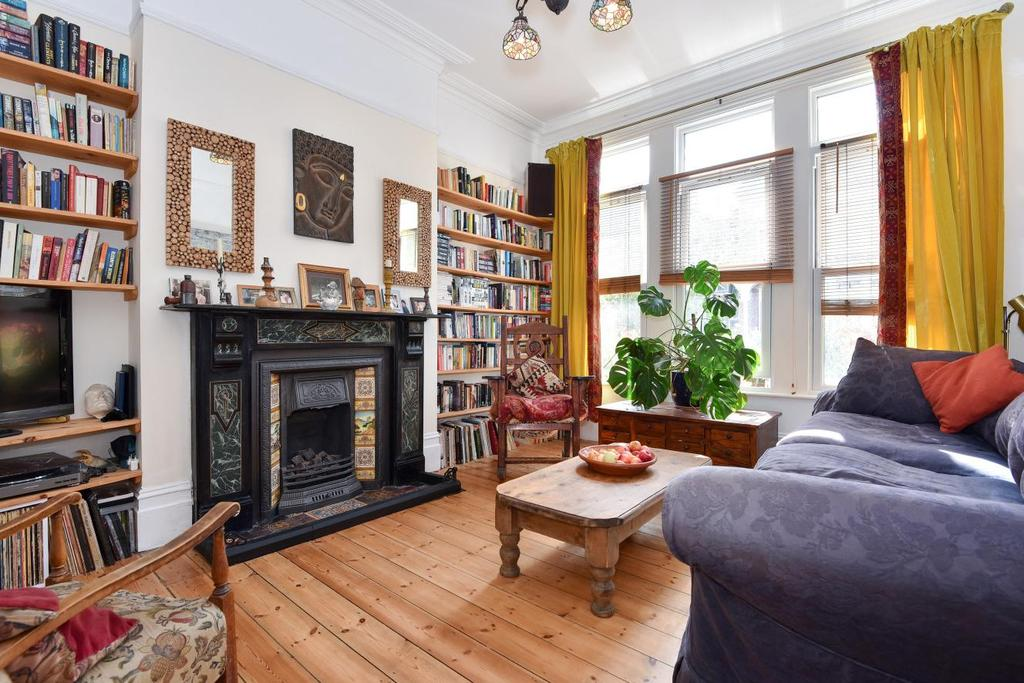5 Bedrooms Terraced House for sale in Halesworth Road, Lewisham