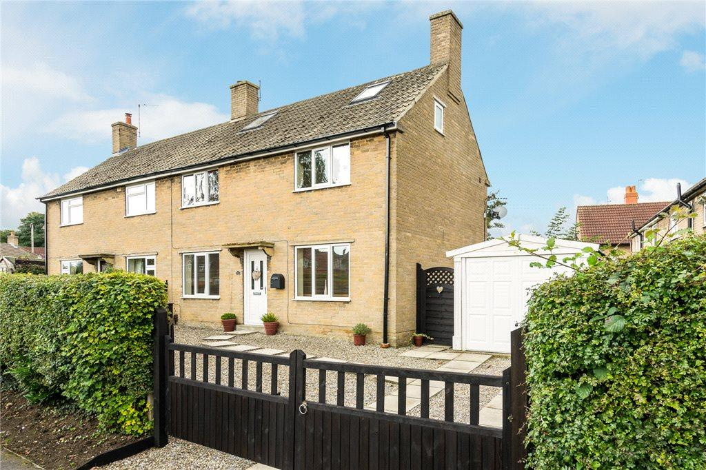 4 Bedrooms Semi Detached House for sale in First Avenue, Wetherby, West Yorkshire