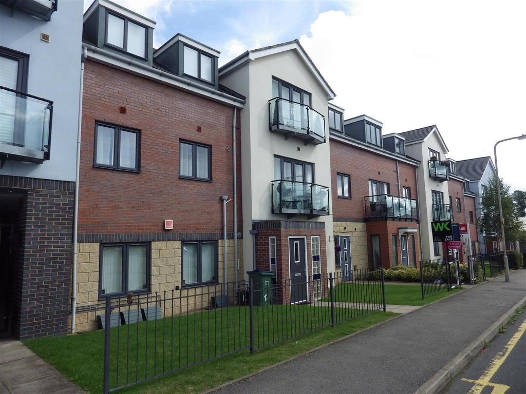2 Bedrooms Apartment Flat for sale in Cardale Street, Rowley Regis