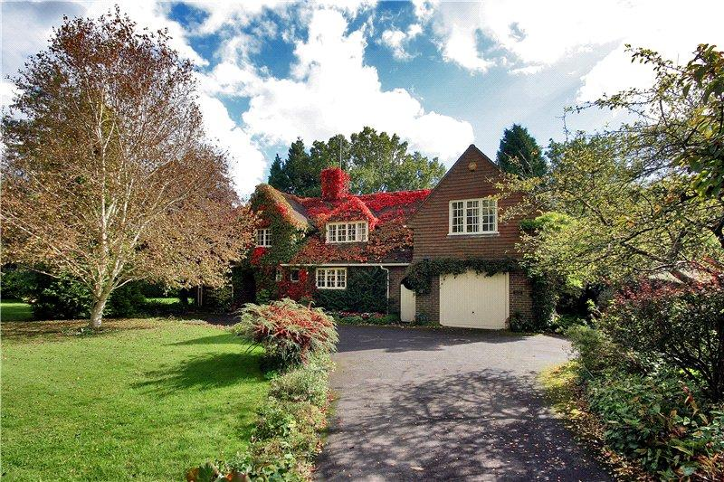 5 Bedrooms Detached House for sale in Lewes Road, Haywards Heath, West Sussex, RH17