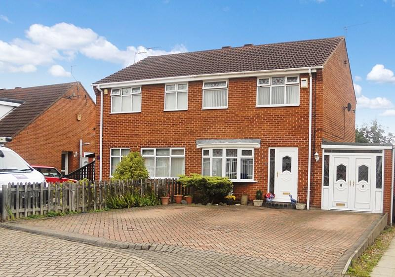 3 Bedrooms Semi Detached House for sale in Thornton Grove, Preston, Hull