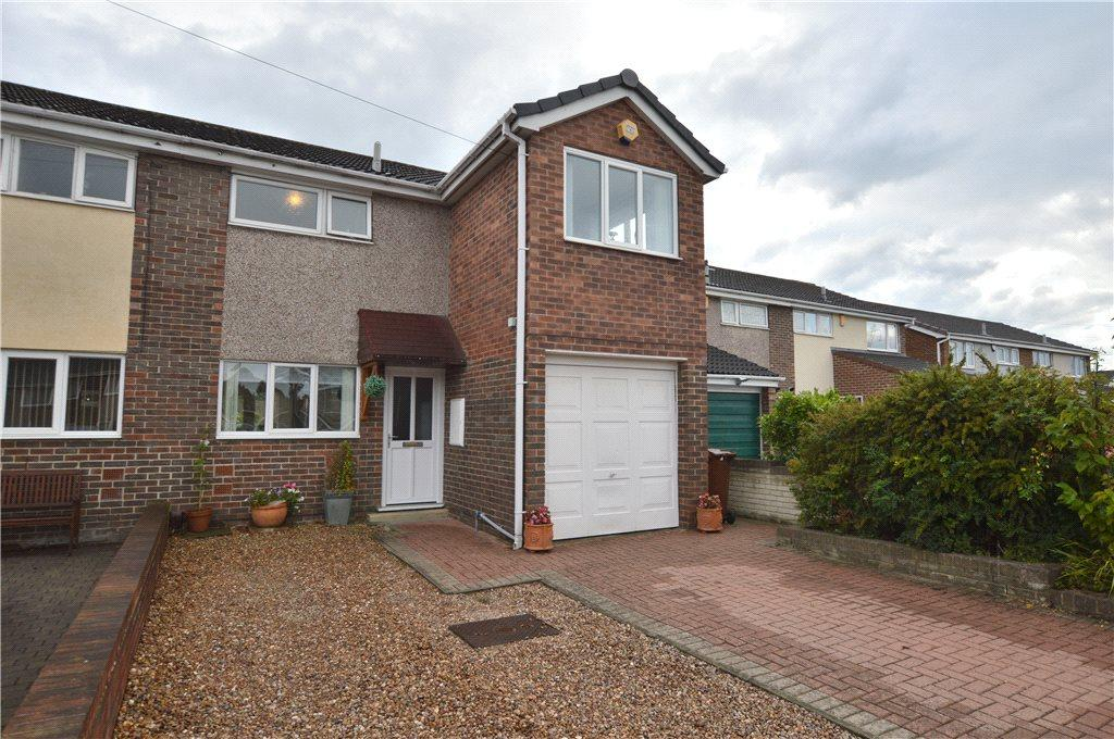 3 Bedrooms Semi Detached House for sale in Lindale Grove, Wakefield, West Yorkshire