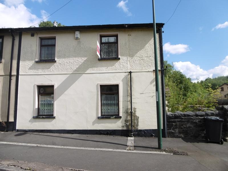 3 Bedrooms End Of Terrace House for sale in Beaufort Road, Tredegar, Blaenau Gwent.