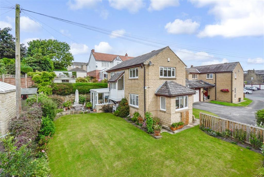 3 Bedrooms Detached House for sale in Amisfield Road, Halifax