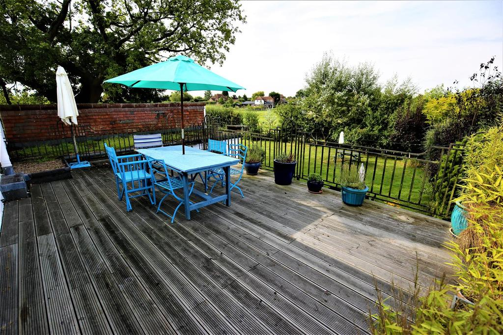 5 Bedrooms Detached House for sale in Maidstone Road, Marden, Tonbridge