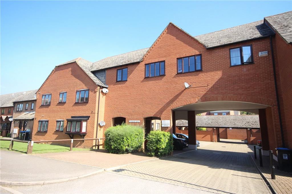 2 Bedrooms Flat for sale in Saddlers Mews, Markyate, St Albans, Hertfordshire
