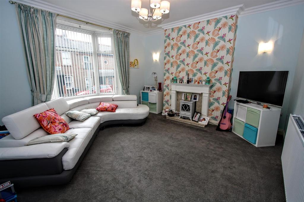 4 Bedrooms Terraced House for sale in Sun Street, Darlington