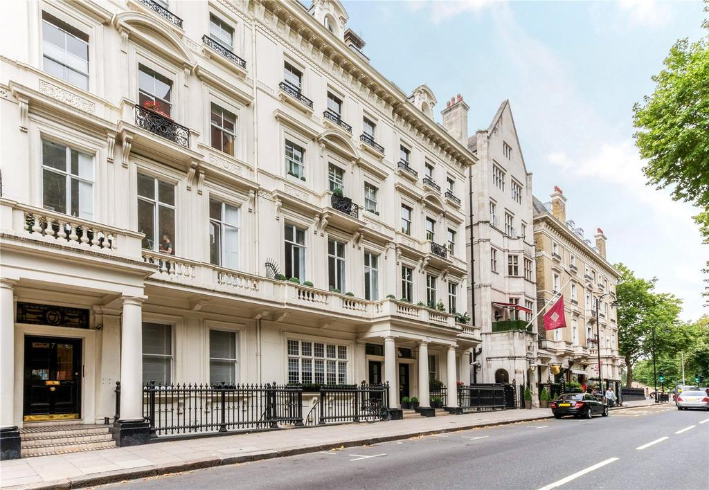 4 Bedrooms Flat for sale in Palace Gate, Kensington