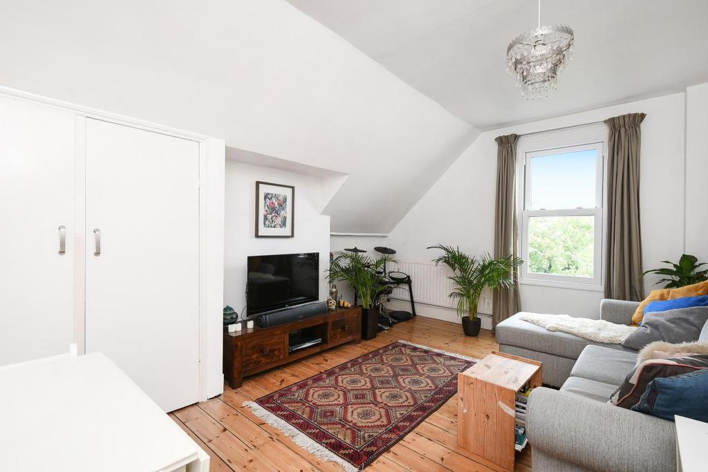 1 Bedroom Flat for sale in Halesworth Road, Lewisham