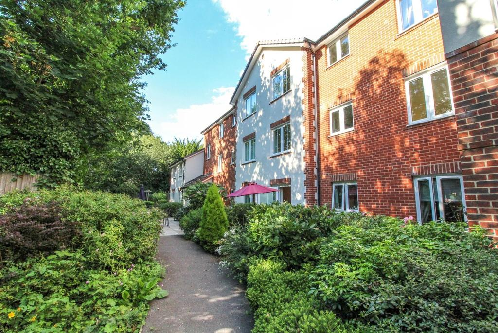 1 Bedroom Retirement Property for sale in Sanders Court, Junction Road, Warley, Brentwood, Essex, CM14