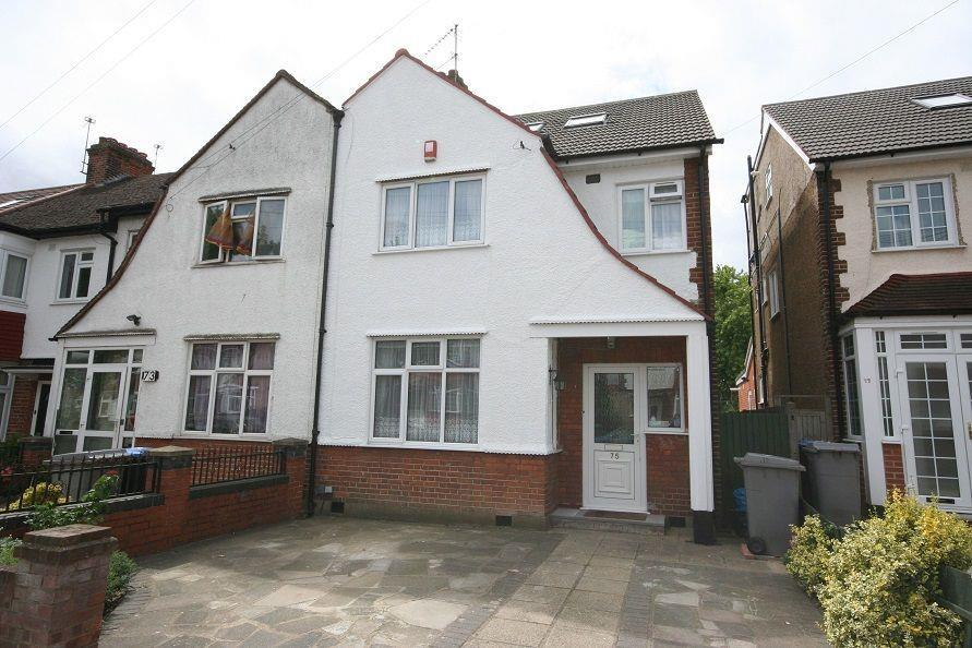 4 Bedrooms Semi Detached House for sale in Grasmere Avenue, Wembley, HA9 8TF