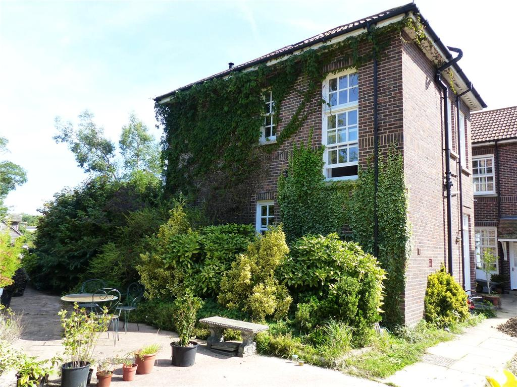 4 Bedrooms Maisonette Flat for sale in Laughton Lodge, Laughton, Lewes, East Sussex, BN8