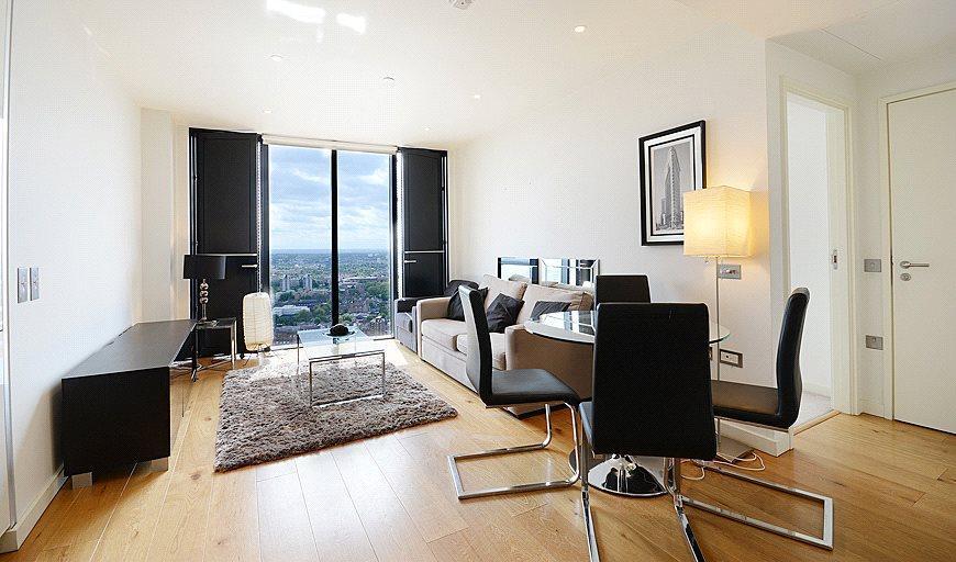 1 Bedroom Flat for sale in Walworth Rd, Elephant Castle, London,