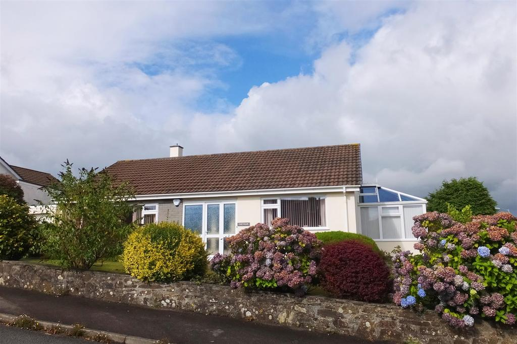 3 Bedrooms Detached Bungalow for sale in Truro