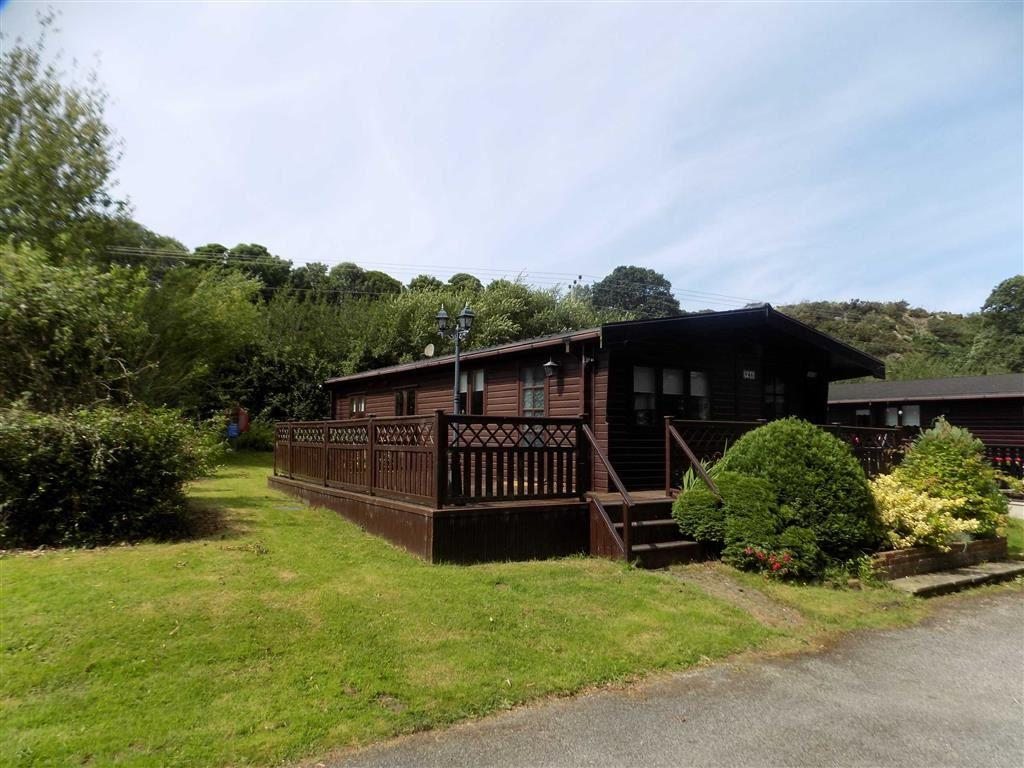 3 Bedrooms Chalet House for sale in Bwlch Farm Caravan Park, Deganwy, Conwy