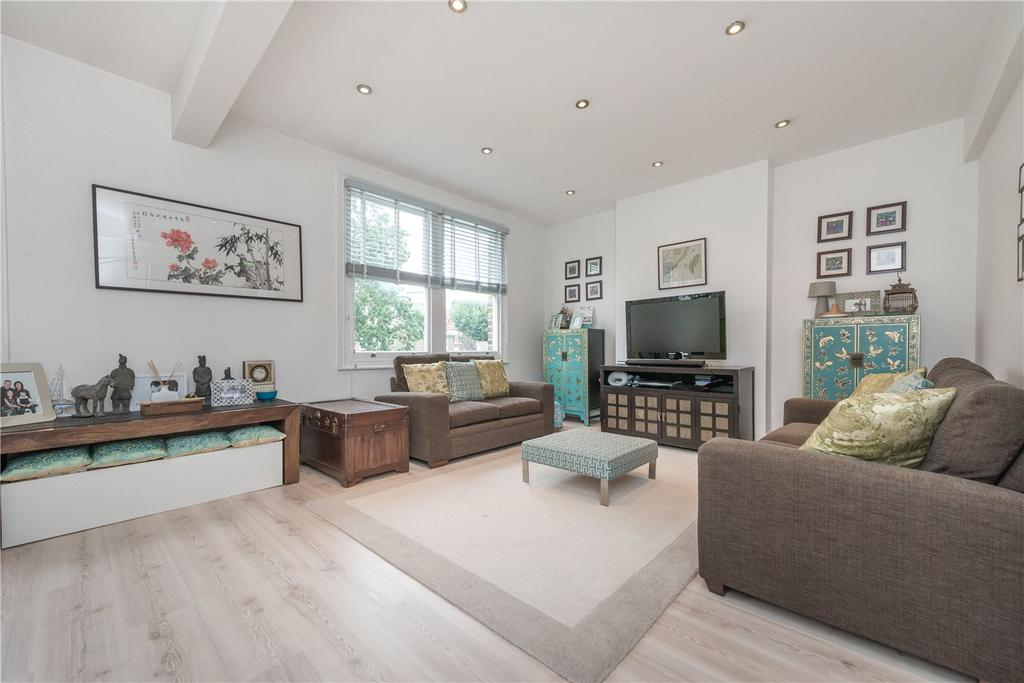 3 Bedrooms Maisonette Flat for sale in Lydford Road, London, NW2