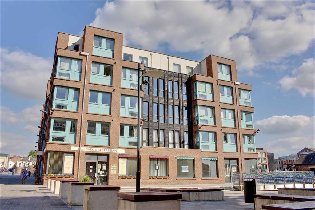 2 Bedrooms Apartment Flat for sale in Barge Arm, The Docks, Glouceser