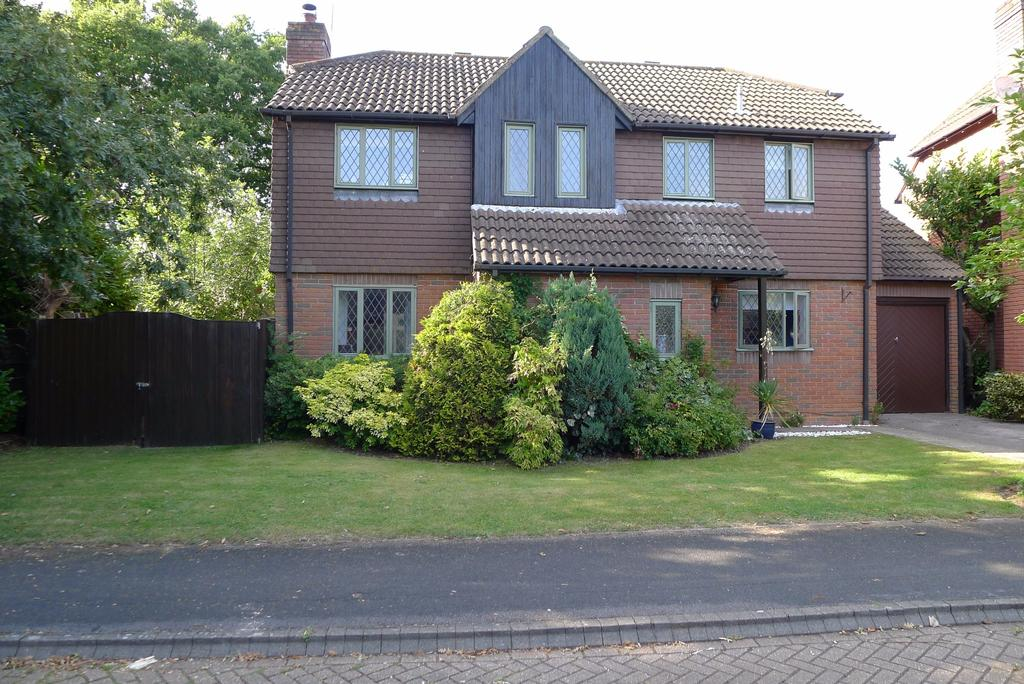 4 Bedrooms Detached House for sale in TITCHFIELD COMMON, FAREHAM
