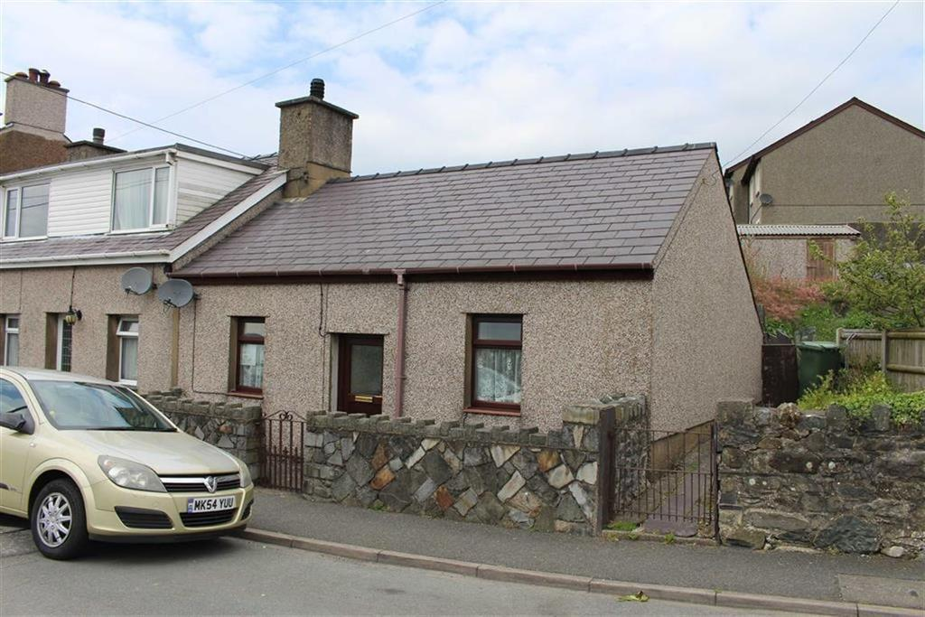 2 Bedrooms Semi Detached Bungalow for sale in Llwyndu Road, Penygroes, Gwnyedd